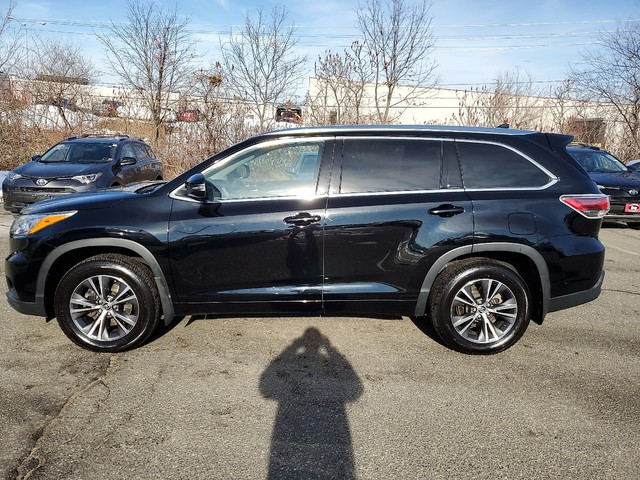 Certified Pre-Owned 2016 Toyota Highlander XLE **RED HOT DEAL!**