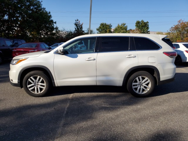 Certified Pre-Owned 2016 Toyota Highlander LE **HOLIDAY SPECIAL**